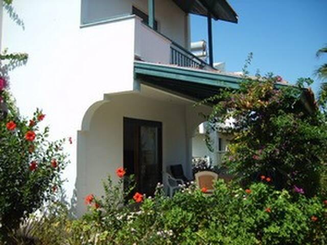 3 Story Villa in Çeşme-Izmir - Çeşme - Dům
