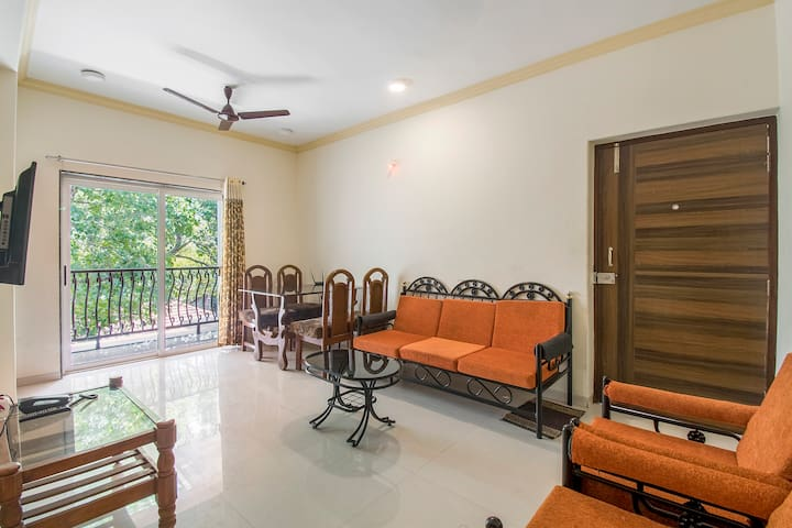 Opulent 2 BHK for 6 with a shared pool /73588