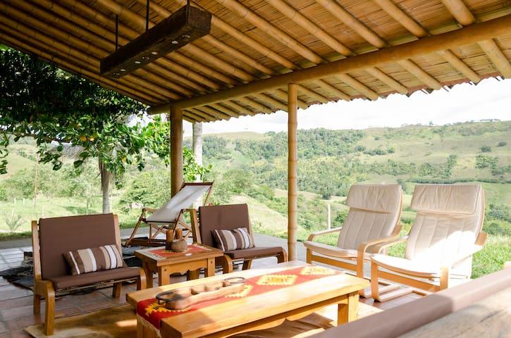 Preciosa cabaña Hacienda ganadera - Pereira