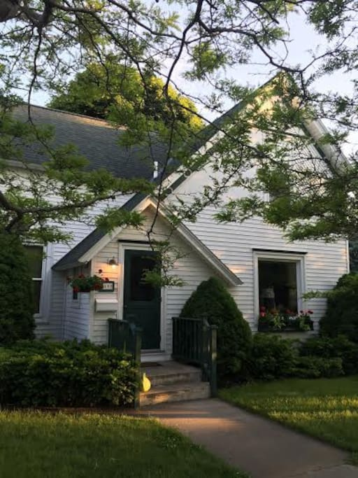3 Lakes Vacation Home... 1700 sq ft of comfy, classic, Charlevoix living!