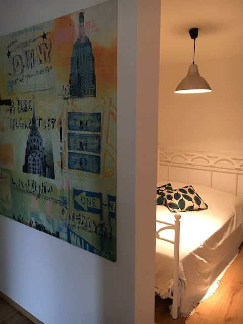 Apartment with private entrance (near airport)