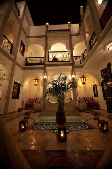Riad matins de marrakech bed breakfasts for rent in for Airbnb marrakech
