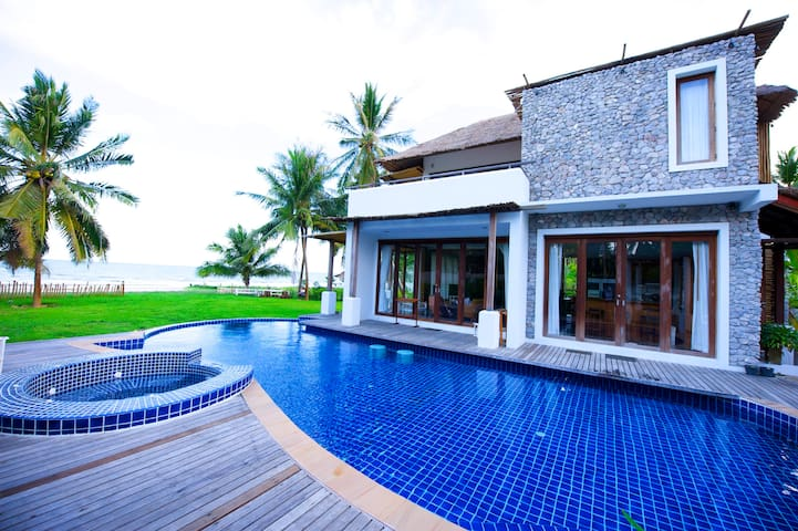 Beach Front Pool Villa For 2 - 8 p~ - Kui Buri - Villa