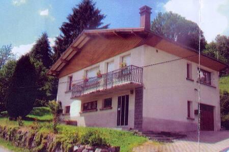 Maison type chalet sur les hauteurs - Saulxures-sur-Moselotte