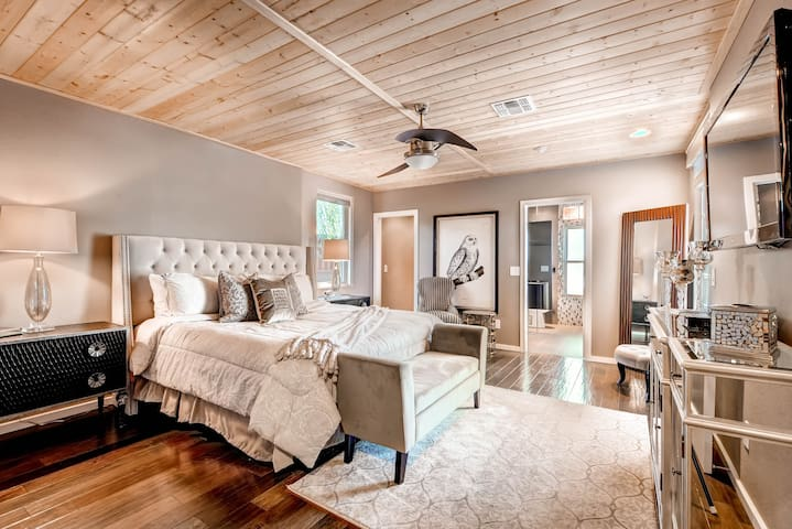 4th Bedroom (2nd Master Suite)