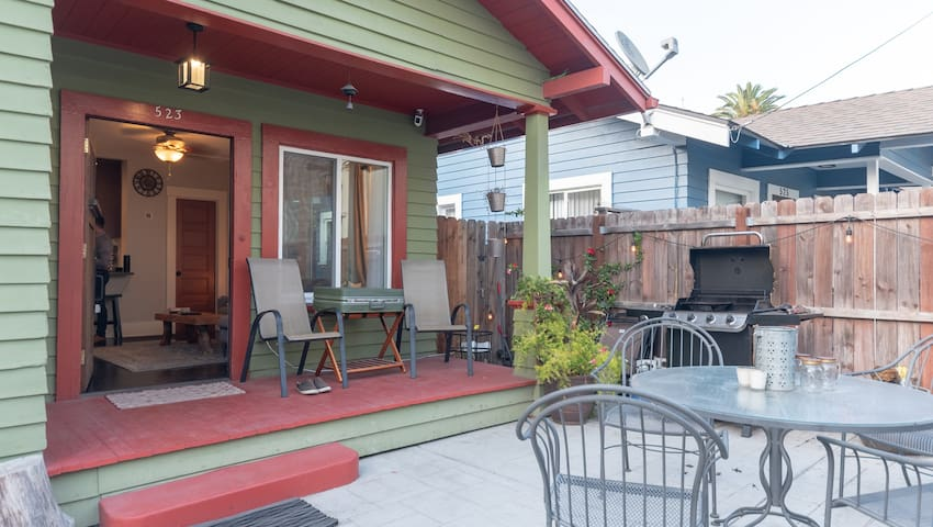 Cozy Craftsman with Parking - 5 Min to the Beach!