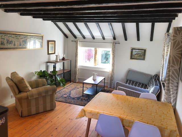 Walkers paradise 2 bedroom cottage on Pennine way