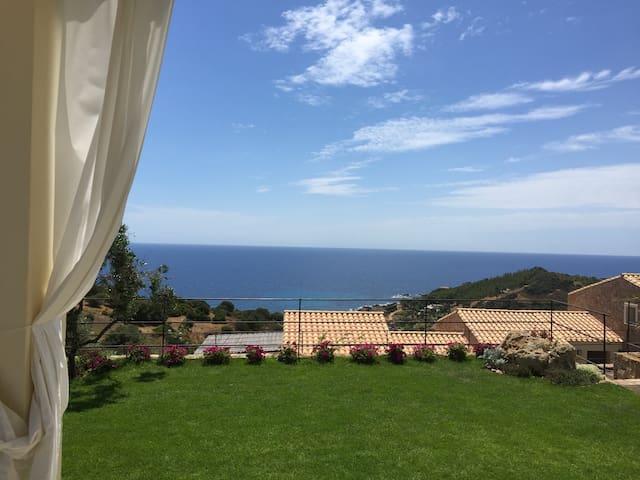 """Casa Carlotta 2"": relax and view - Tertenia - Apartment"