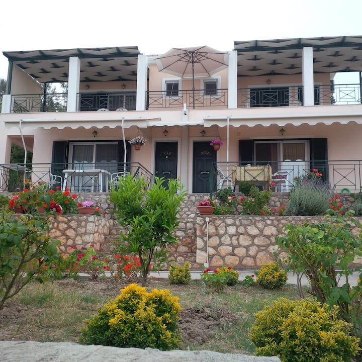 3 Luxury Apartments in Lefkada! (a)