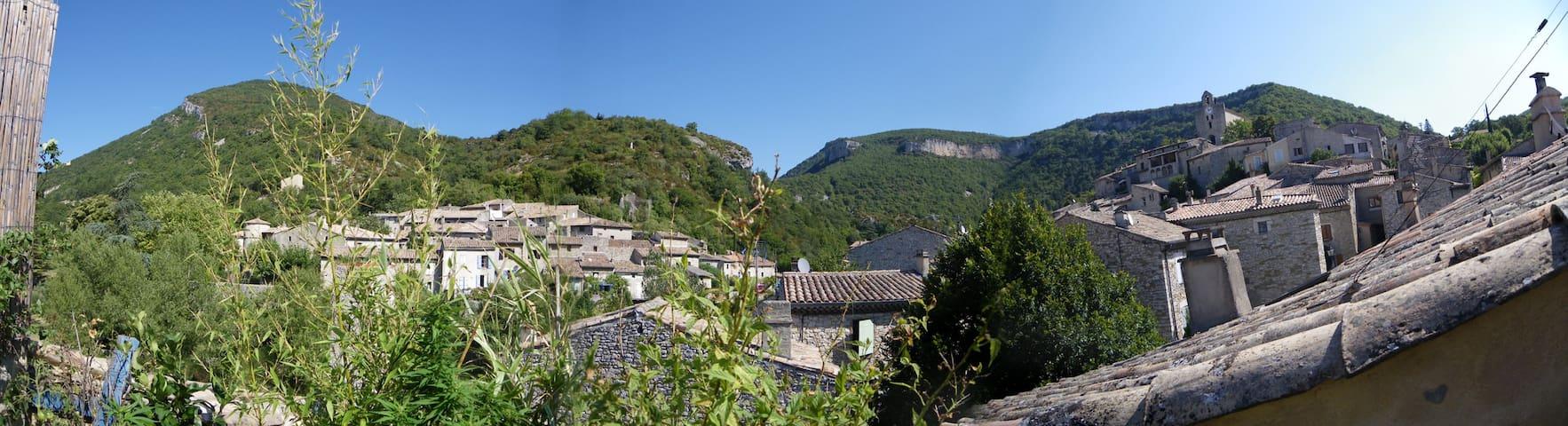 Jolie maison de village - Pont-de-Barret - 連棟房屋