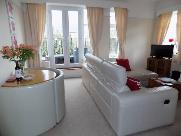 Templemore - 2 bedroom apartment with balcony