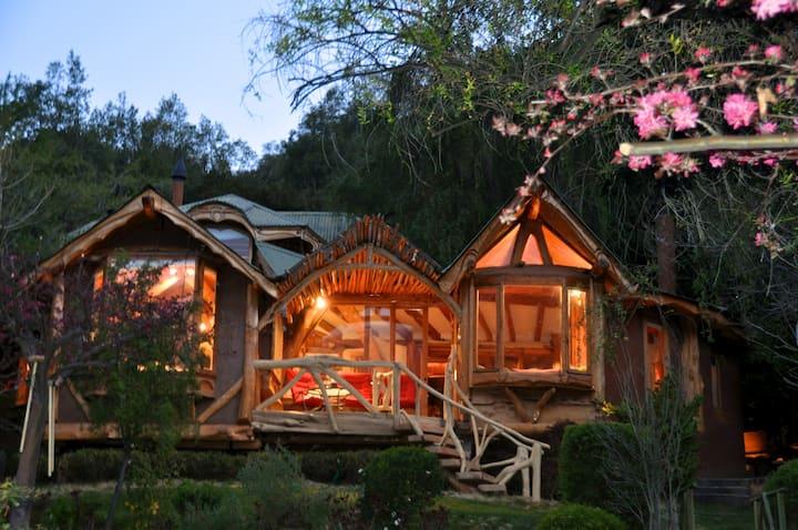 Magic Mountain house in Cajon del Maipo.