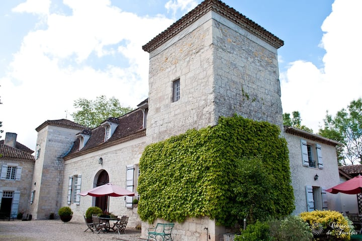 """Château de Foulou """"Côté Piscine"""""""