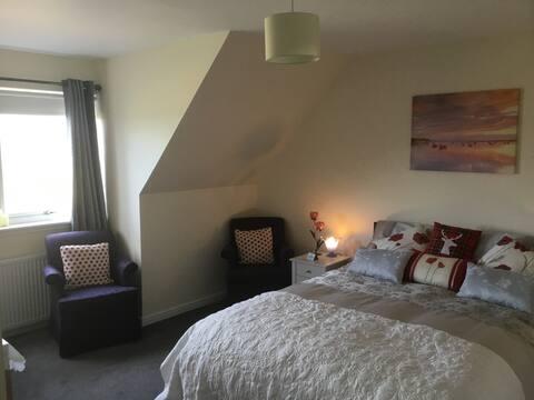 Rhenetra King Room En-Suite