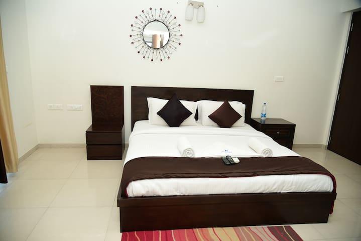 Oragadam Rooms Deluxe Room Including All Meals
