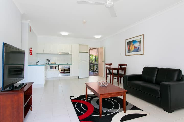Cairns City Palms - One Bedroom Apartment