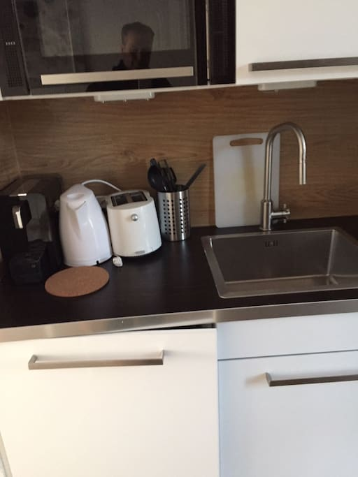 Furnished kitchen with coffee machine , toaster etc,...