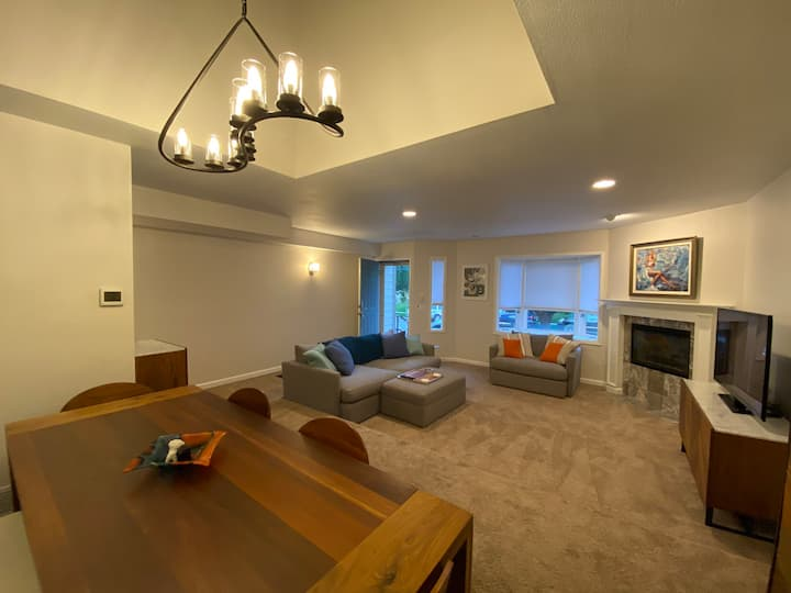 Gorgeous townhouse-  heart of Cherry Creek!