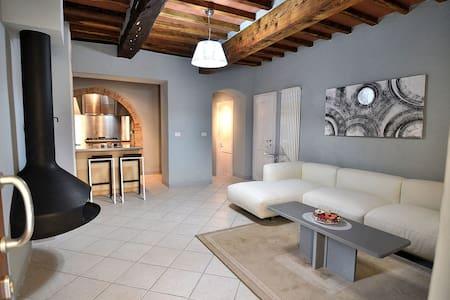 Characteristic Chianti Village Apt - San Donato