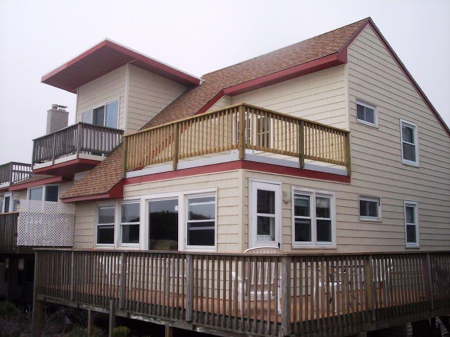 2 large oceanfront decks