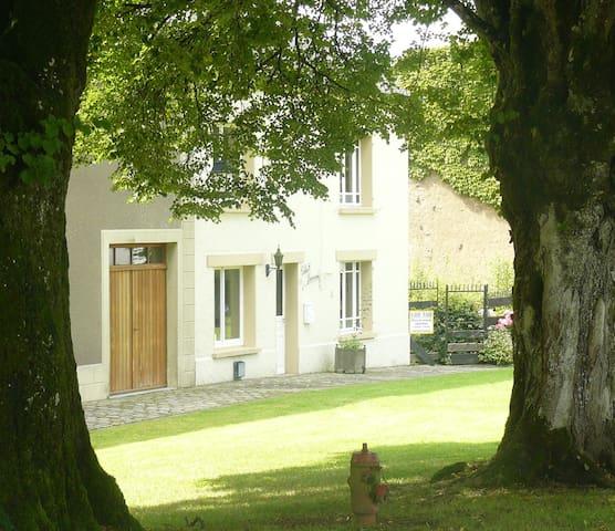 Soleil Levant in Williers, vlakbij abdij van Orval