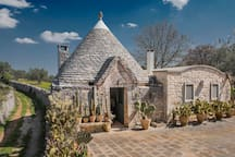 Trullo with pool and external kitchen