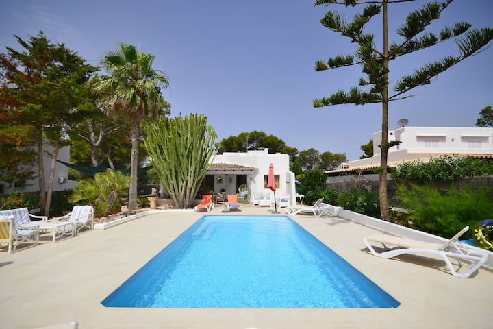 Villa with private pool free wifi & large barbecue - フェラニチ(Felanitx) - 別荘