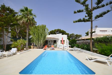 Villa with private pool free wifi & large barbecue - Felanitx