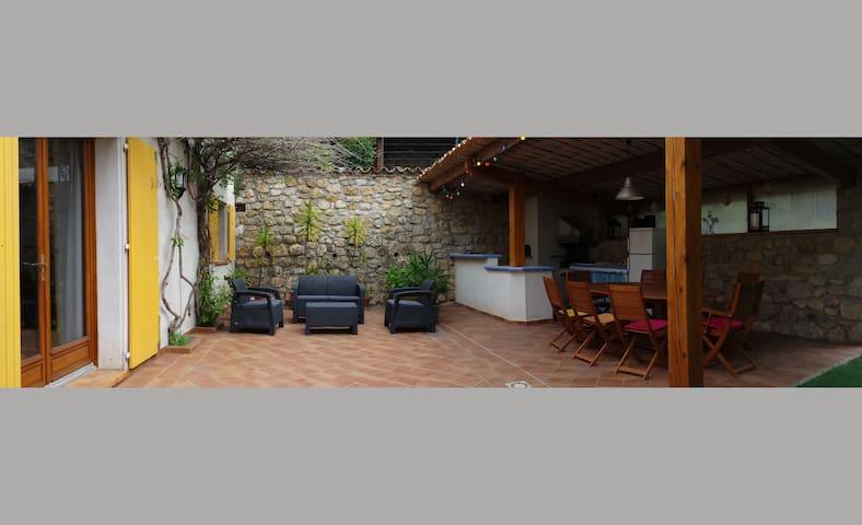 Villa au calme à 20 minutes du bord de mer - Aspremont - Villa