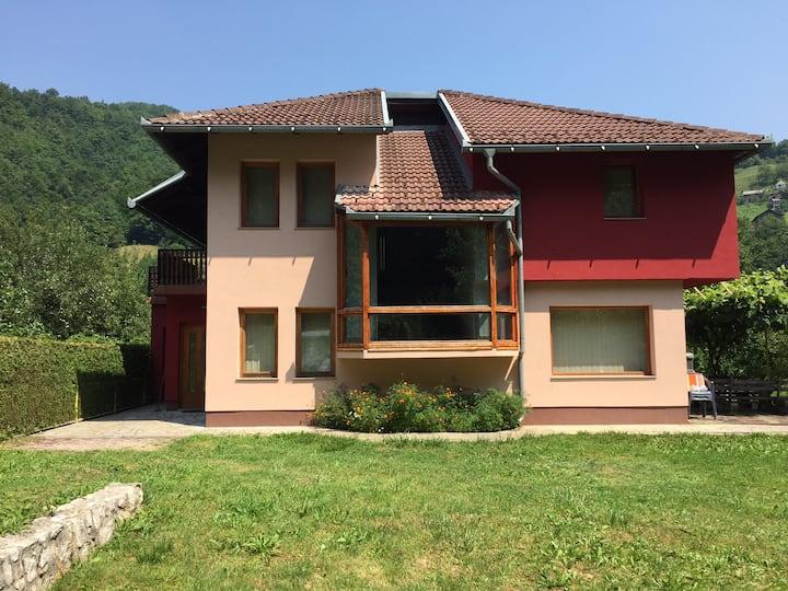 Cozy garden vila Fojnica