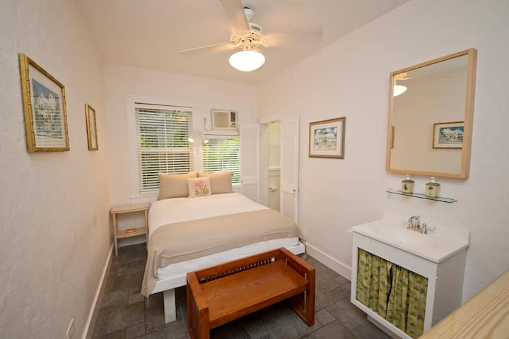 Small Deluxe Room