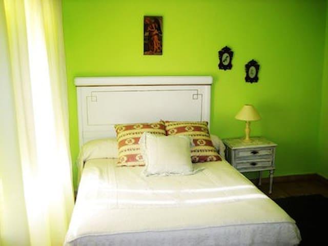 Casa rústica rehabilitada - La Aguilera