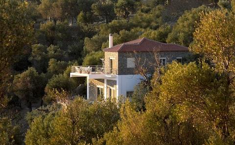 Peaceful mountain home
