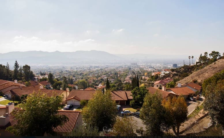 Burbank Hills Studio with Views New - Burbank - Pis