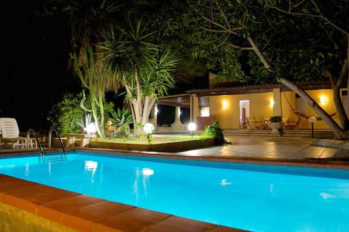 Villa with 3 bedrooms in Provincia di Agrigento, with wonderful sea view, private pool, enclosed garden