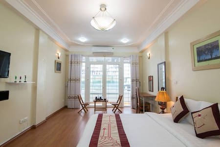 Homestay but qualified as the standard hotel. Comfortable bed and large room with balcony. Convenient Located in the heart of Hanoi Old Quarter. It is quite near to Hoan Lake, Catheral and shopping area. Private Bathroom in each room. No reakfast.