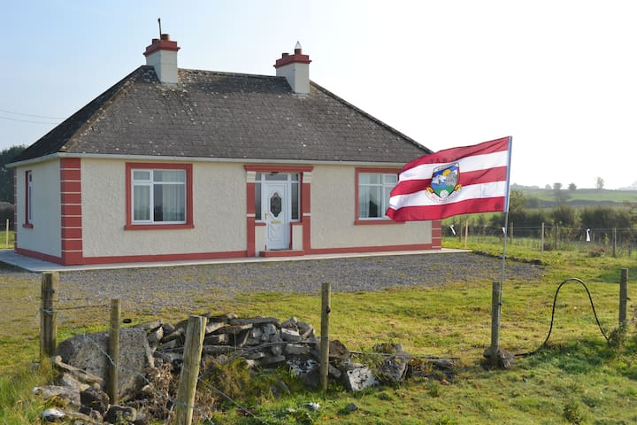 Glenamaddy Cottage-Galway Retreat - Glenamaddy - House