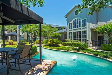 Resort-Style West Houston Townhouse - Houston