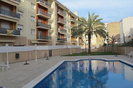 Habitación doble, con piscina y mar