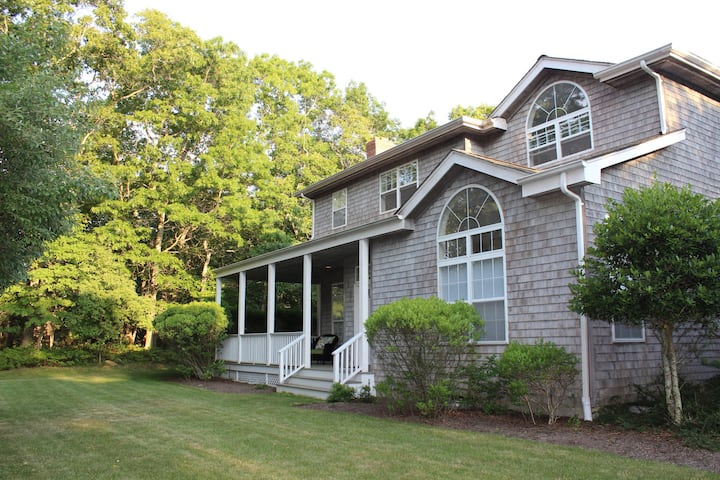 Family Friendly East Hampton Springs Country Home