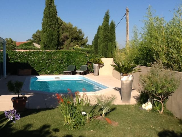 Une halte en Provence- Chbre London - Coudoux - Talo