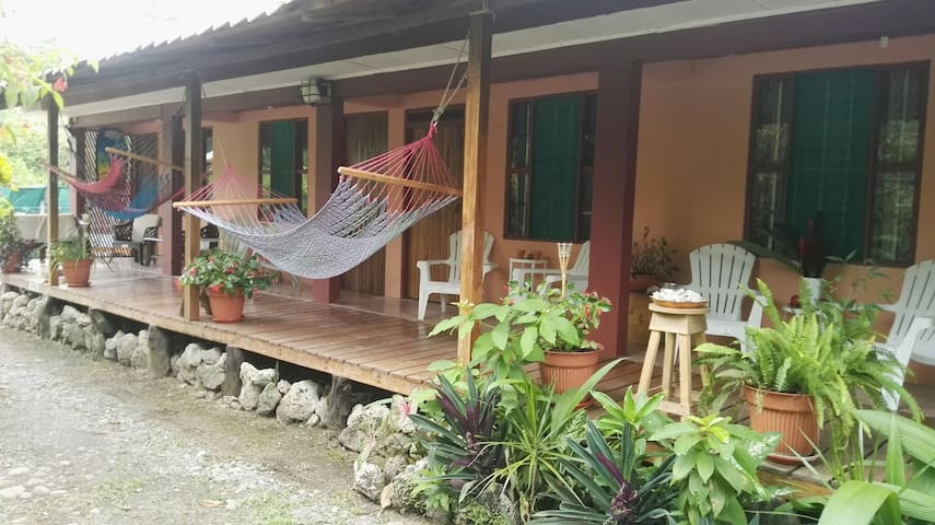 Samijo Cahuita , good place for couples - Cahuita - House