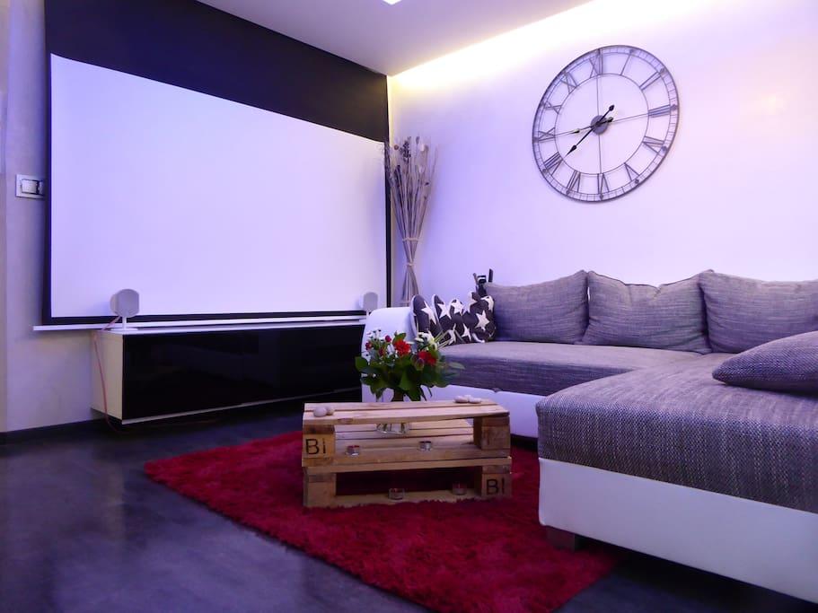 Tv et écran de projection