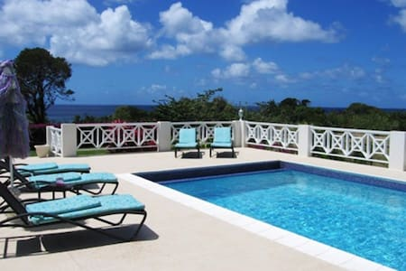 Bolli Heights Barbados Villa & Pool - House