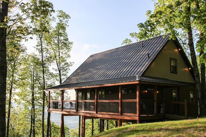 Mountain Crest Treetop Home