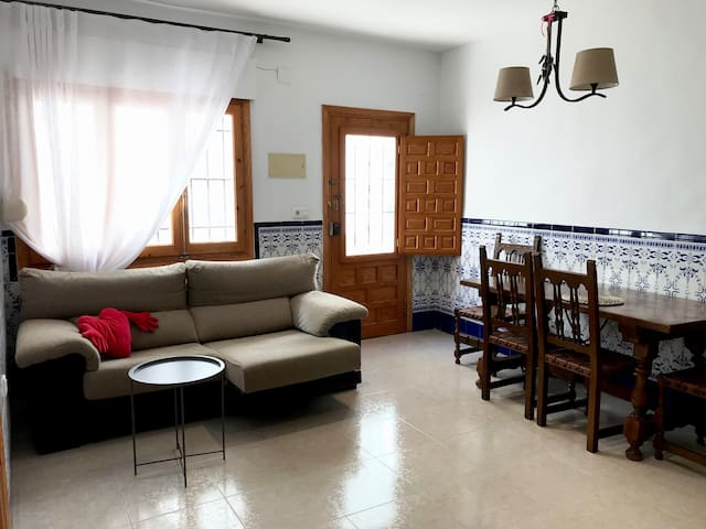 Tranquil Apartment with  Private Patio, Peaceful!