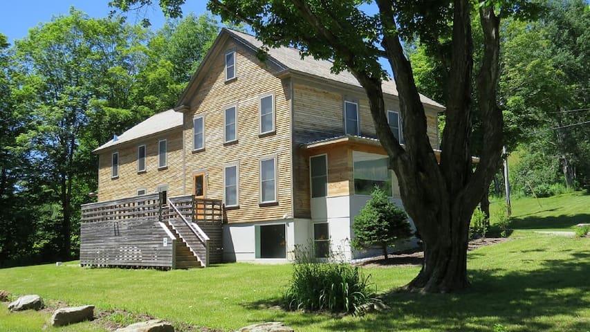 Historic Farmhouse, Brook + 300 Acres of Bliss