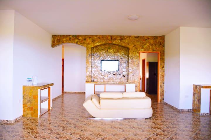 Two-Bedroom Apartment for Rent D - Puerto Galera - Apartamento