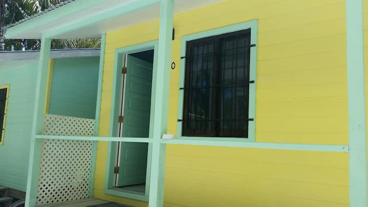 Mini Hut 180 in Barefoot Beach Resort