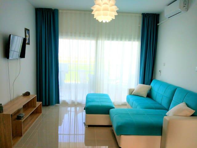 Lovely BLUE apartment in 5* Resort